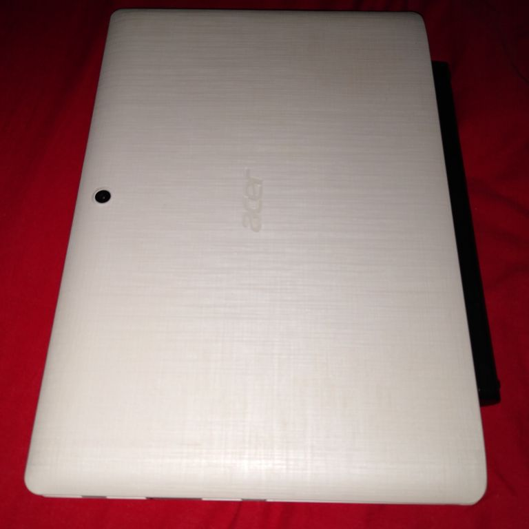 Acer Aspire Switch 2 in 1 For Sale