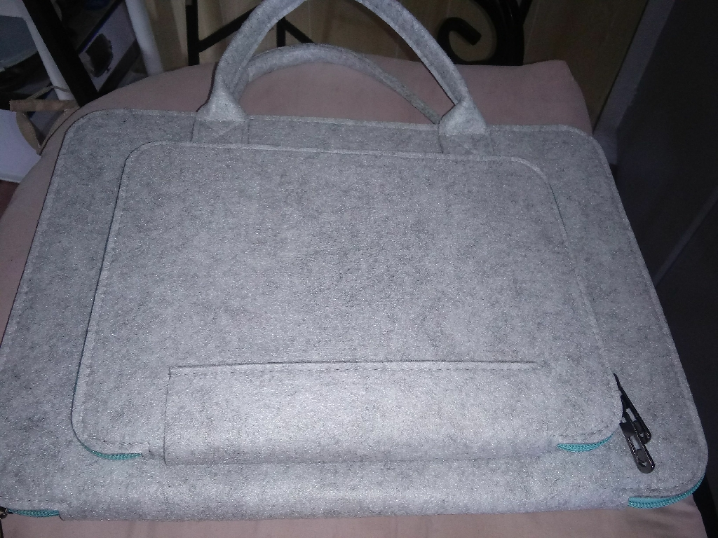 Up to 15 inches laptop case