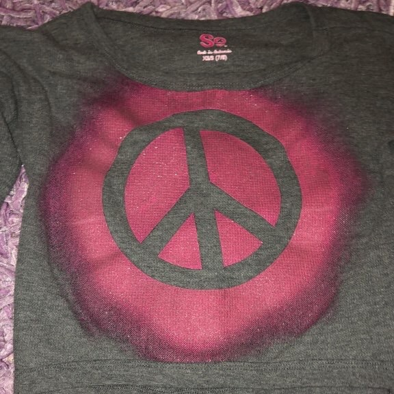Gray peace long sleeve