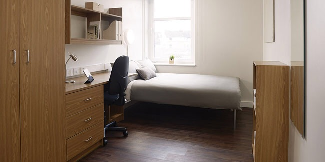 STUDENT ROOM FOR SALE!
