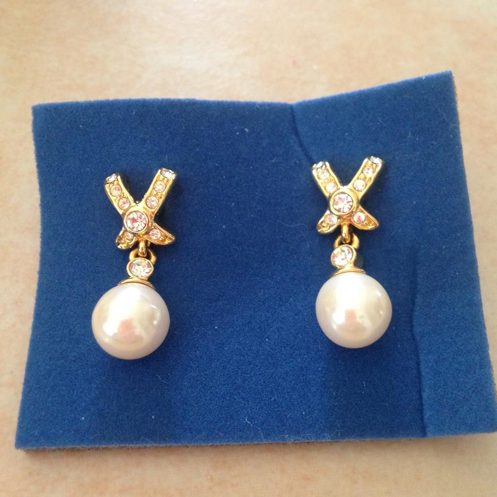 Avon's X-DeSign Pearl EarRing's