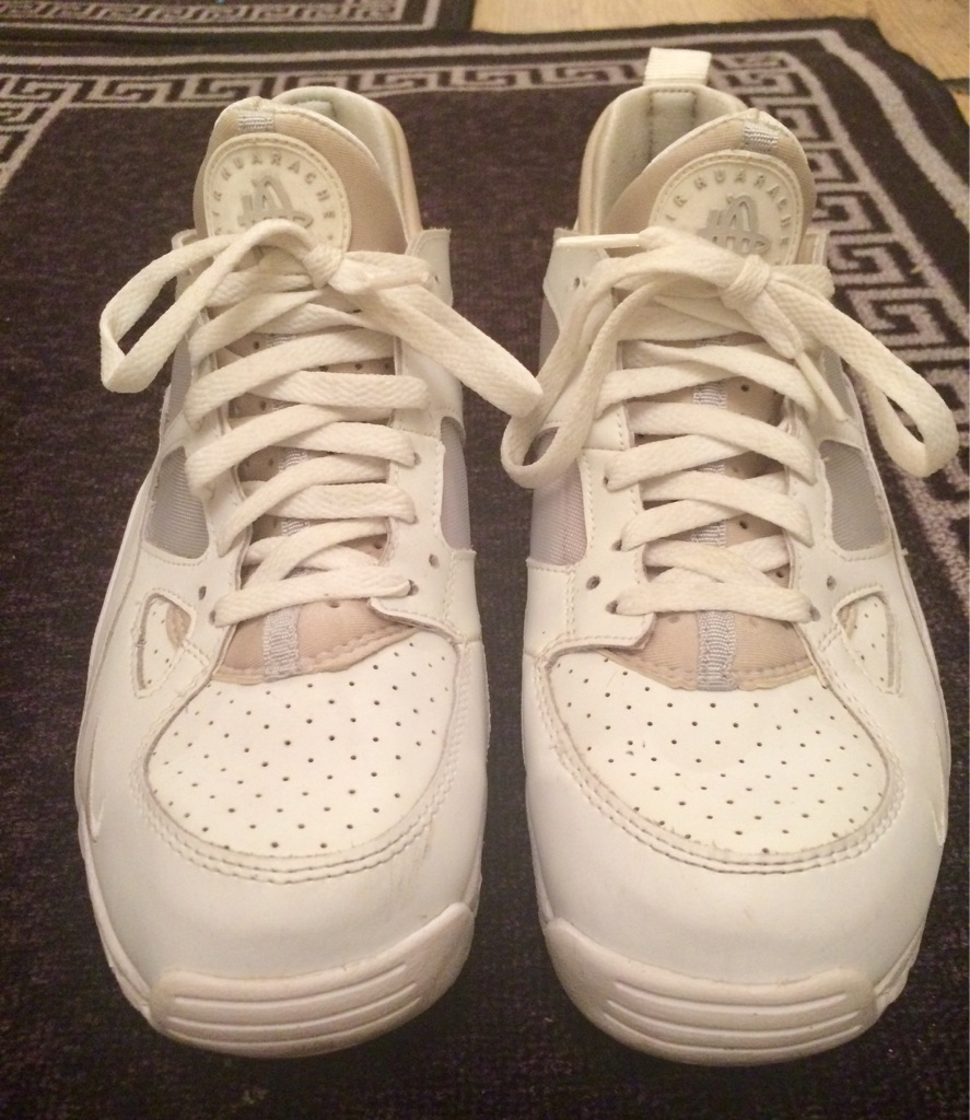 MENS NIKE AIR HUARACHES WHITE SIZE 8.5uk WORN ONCE RRP £105