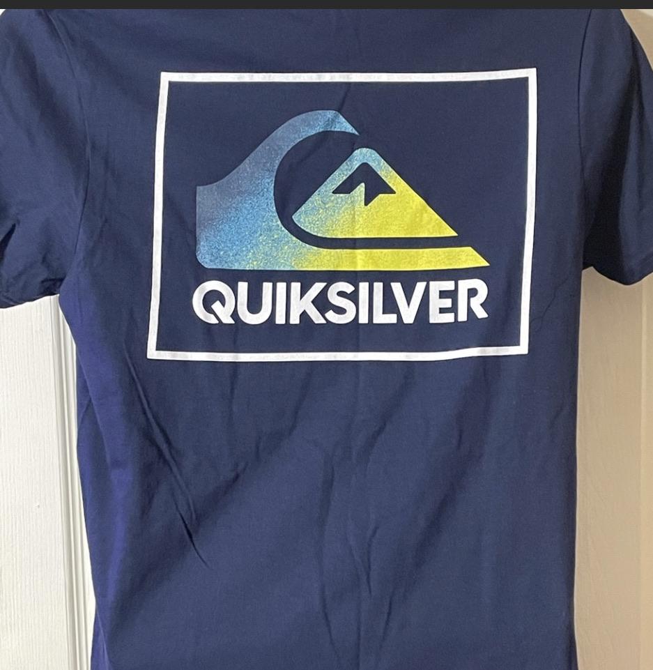 Quick Silver Tee Size:Medium