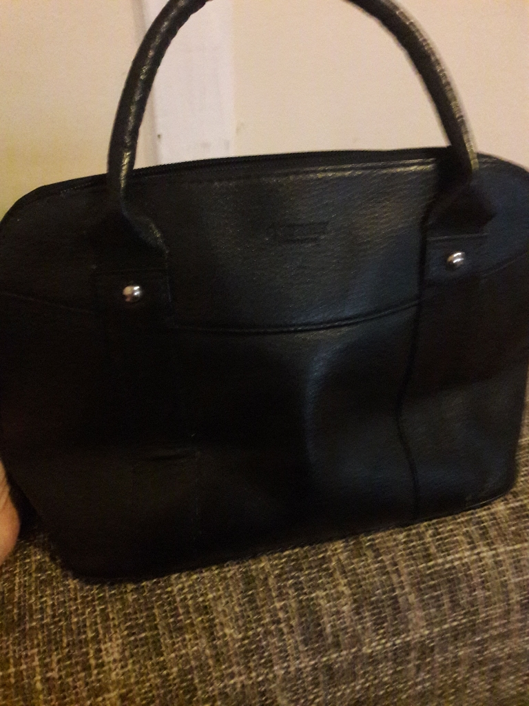 Osprey  london black leather bag
