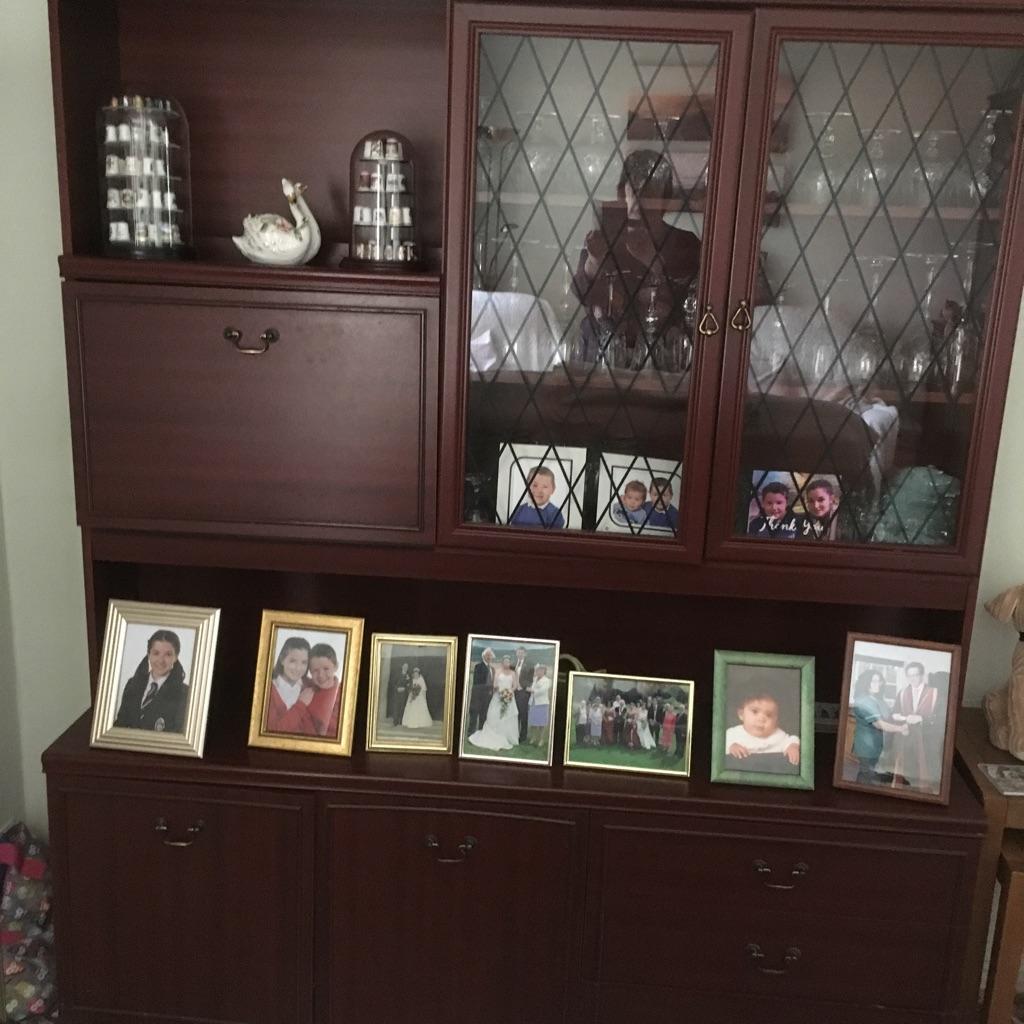 Dresser/glass & drinks cabinet