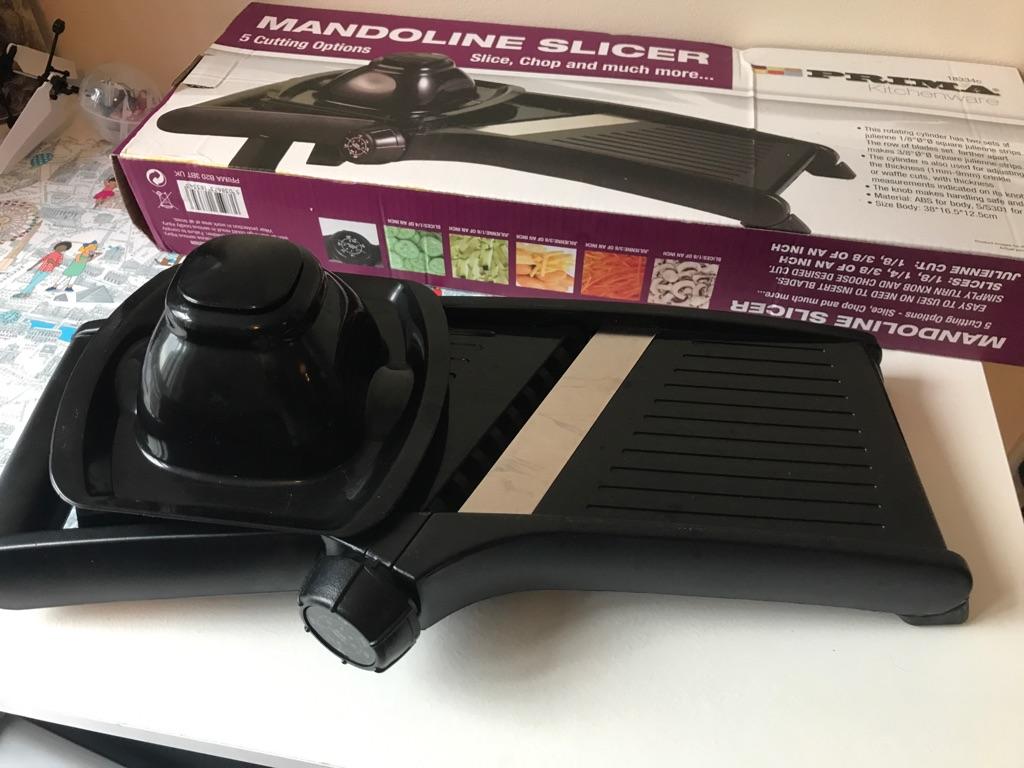 Commercial mandolin, slicer/shredder with safety