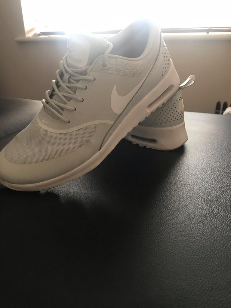 Light grey Nike Thea's UK SIZE 7