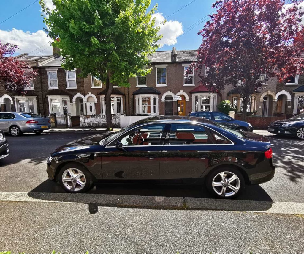2013 AUTOMATIC BLACK AUDI A4 2.0 TDI SALOON