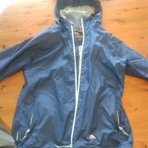 Ladies Size 12 Trespass Raincoat