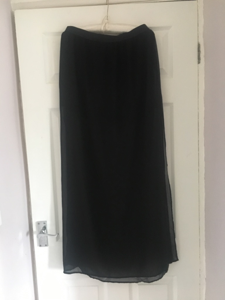 Ankle length sheer skirt size 14 excellent condition (postage available)