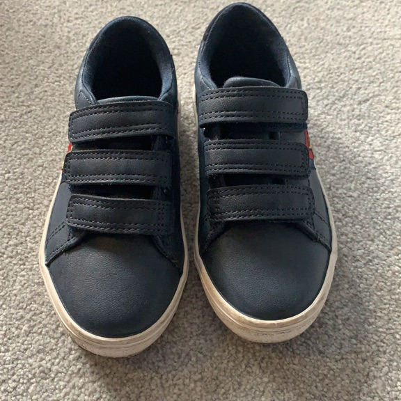 Size 9 blue trainers