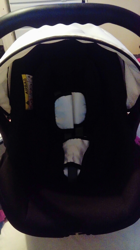 Venicci white car seat with cover and adapters
