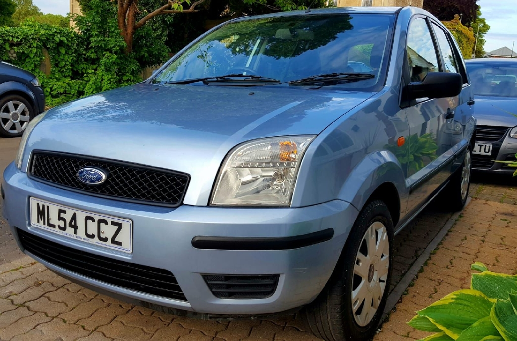 Ford Fusion 2 1.4L 16v Petrol 5dr 2005     VERY LOW MILEAGE 65K