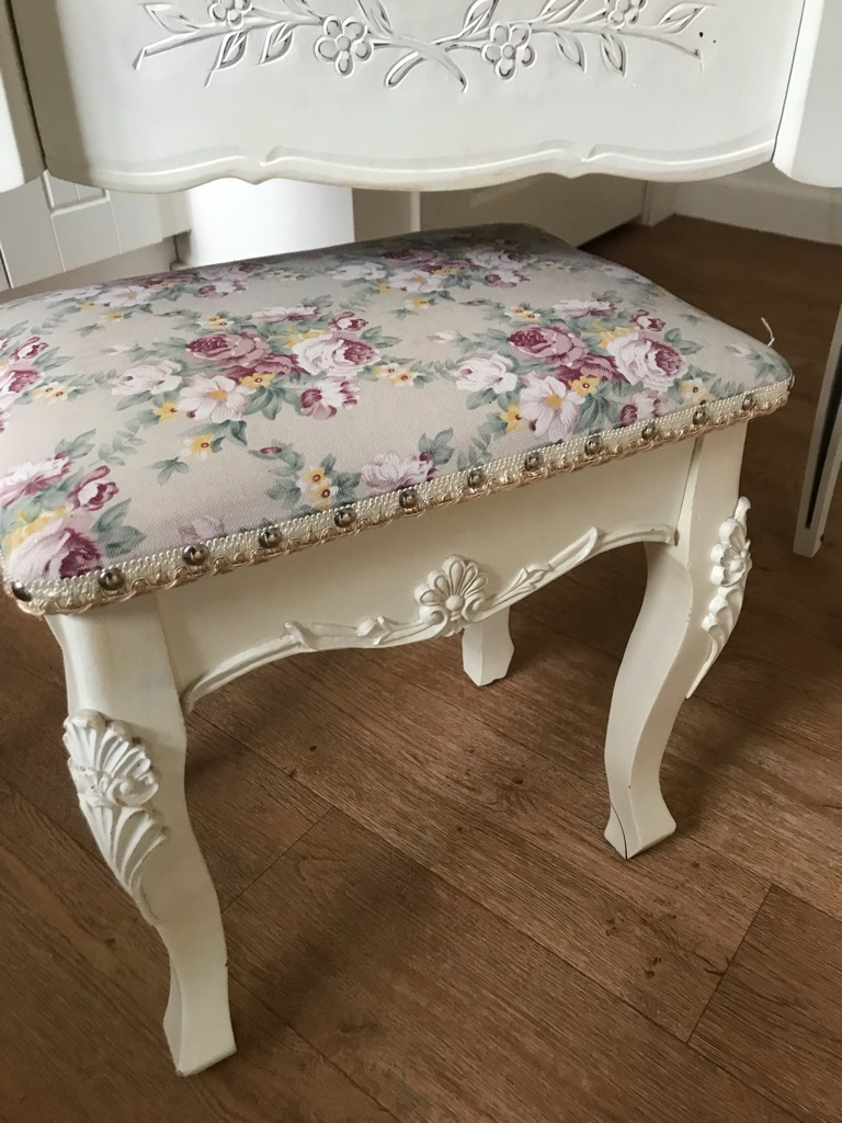 Shabby chic stunning white dressing table with stool & mirror