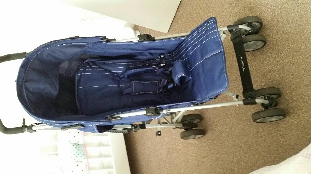 Zeta Voom stroller navy blue