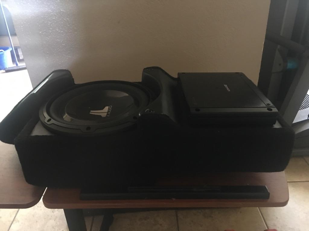 """JL audio 10"""" sub + amp kenwood 600"""