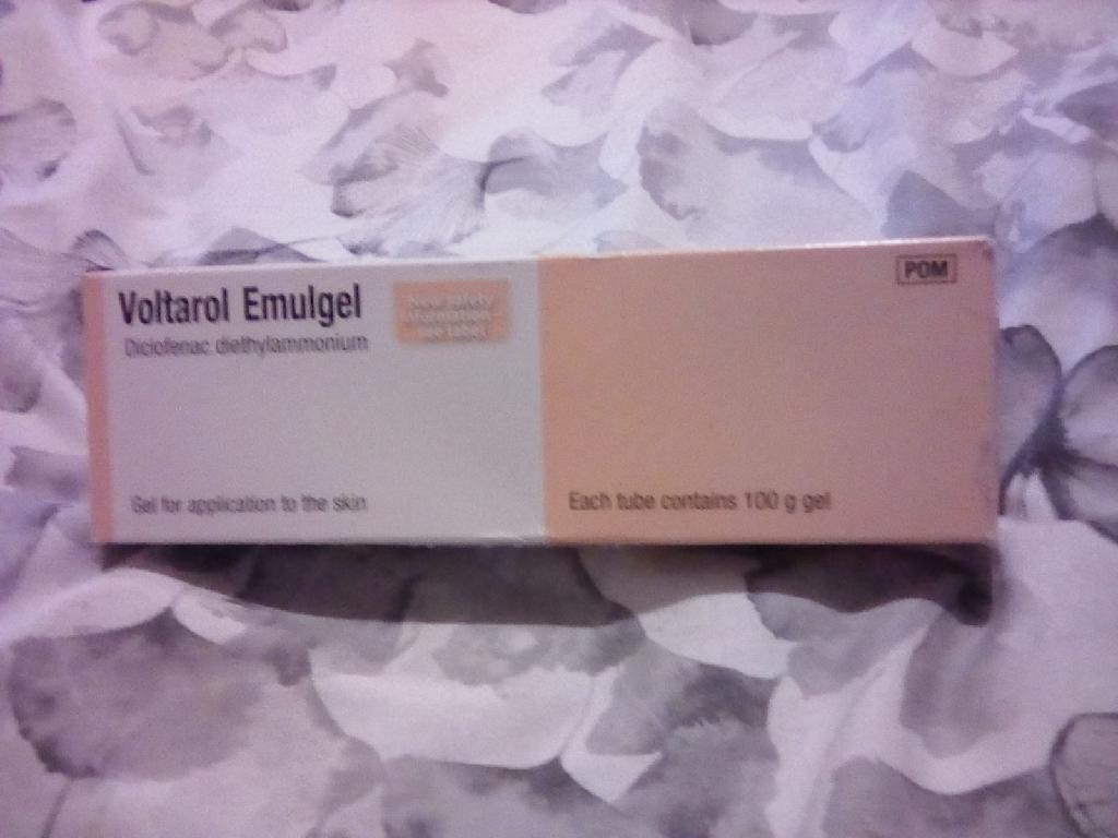 Voltarol pain relief gel