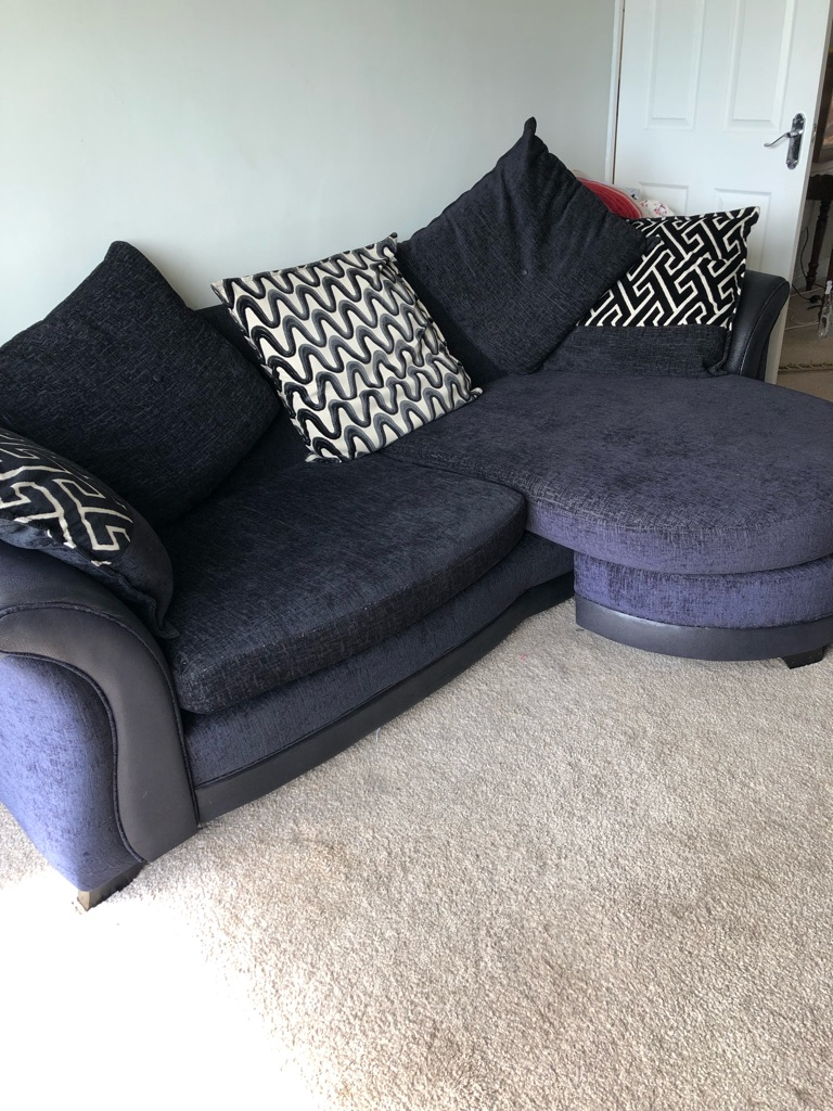 DFS 4 Seater Lounger and 2 Seater Cuddle Chair
