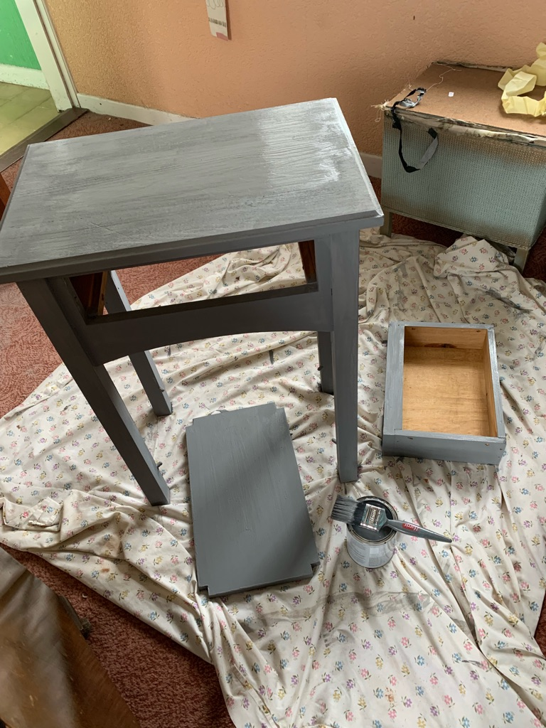 Upstyled small drawer table