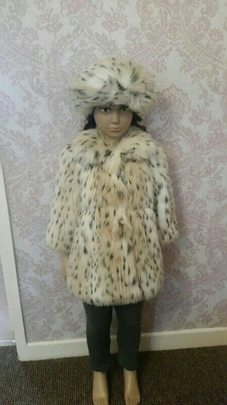 Girls 18/24 months faux fur coat with beret hat
