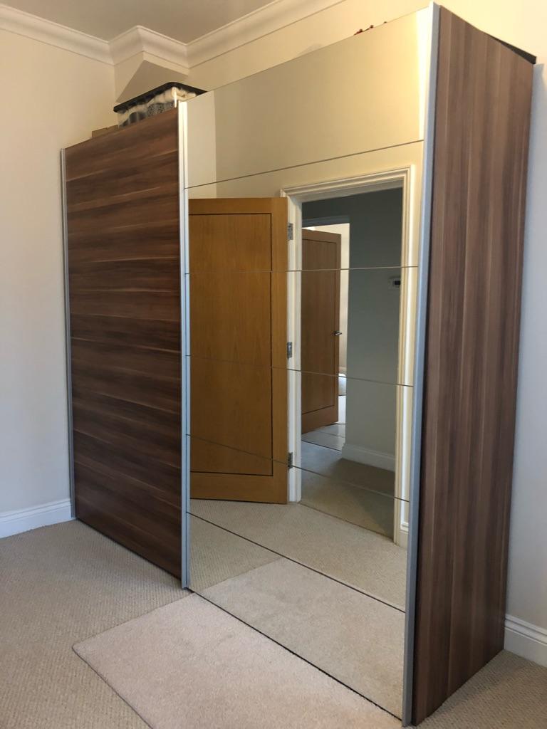Sliding mirrored doors wardrobes