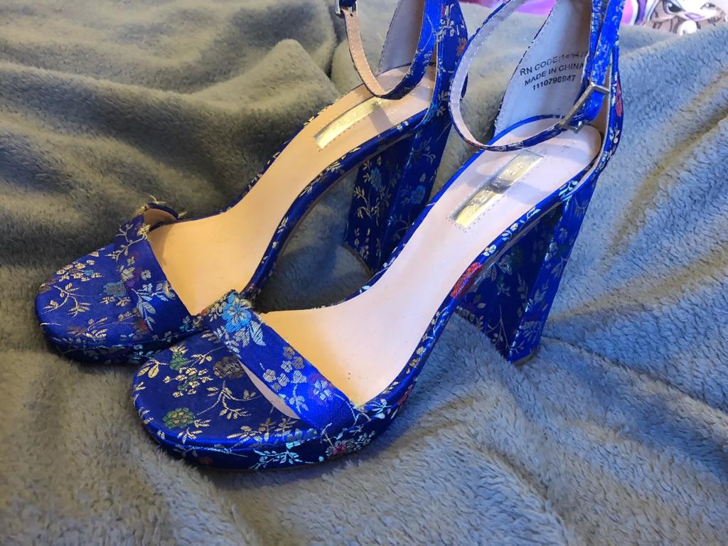Chinese pattern Heels