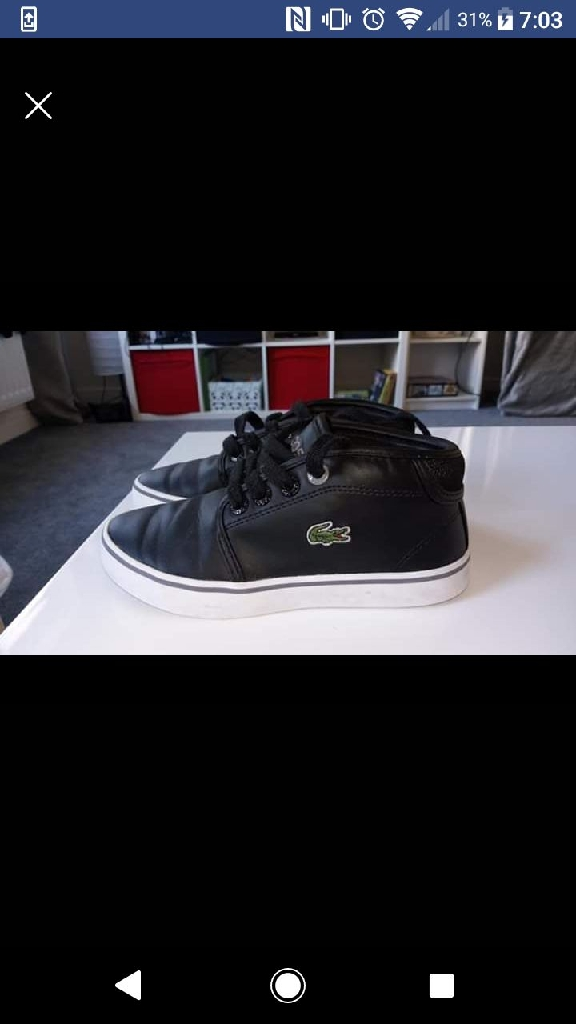 Lacoste size 10 boys shoe