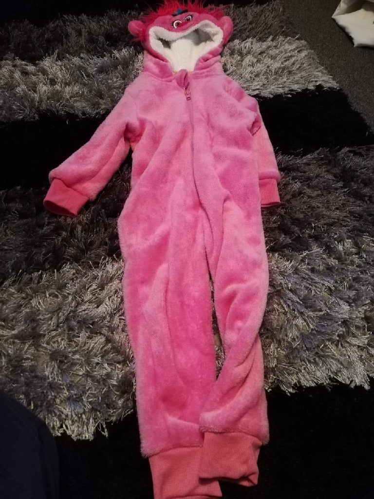 Girls poppy onesie size 4-5 years