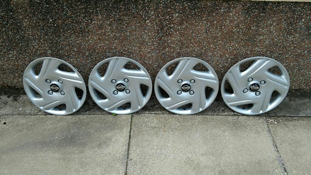 Genuine Nissan wheeltrims