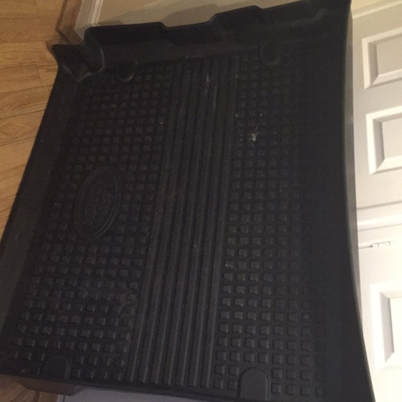 Rear load space cover for Land Rover 3 or 4
