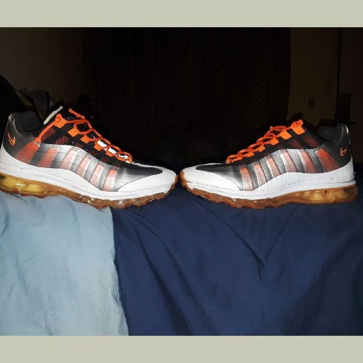 Orange an black Nike Air Max used  size 10