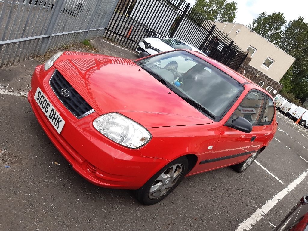 Hyundai accent 06 plate.
