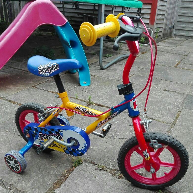 "Scorpion 12"" bike with side wheels for learners"