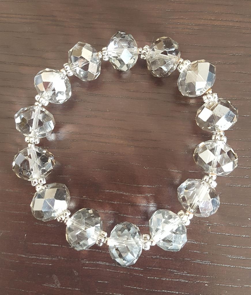 Next crystal stretch bracelet