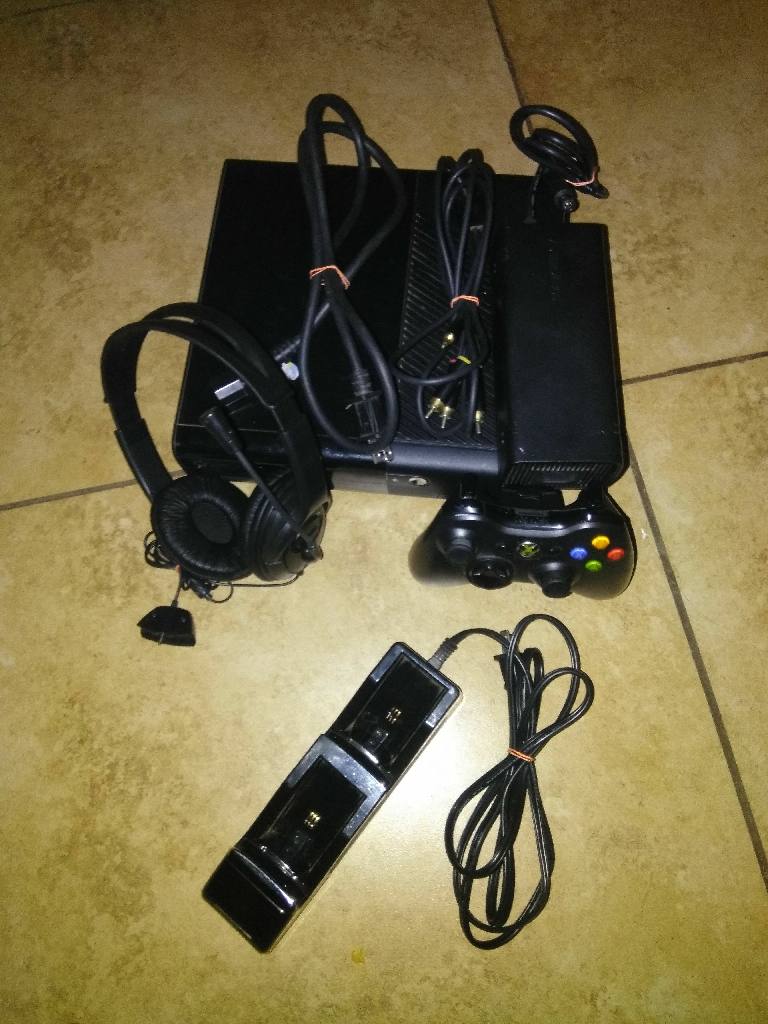 XBOX 360 E NEED GONE ASAP