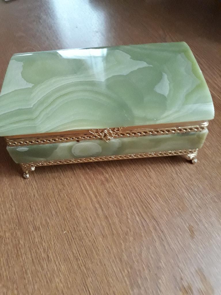 Onyx jewellery box
