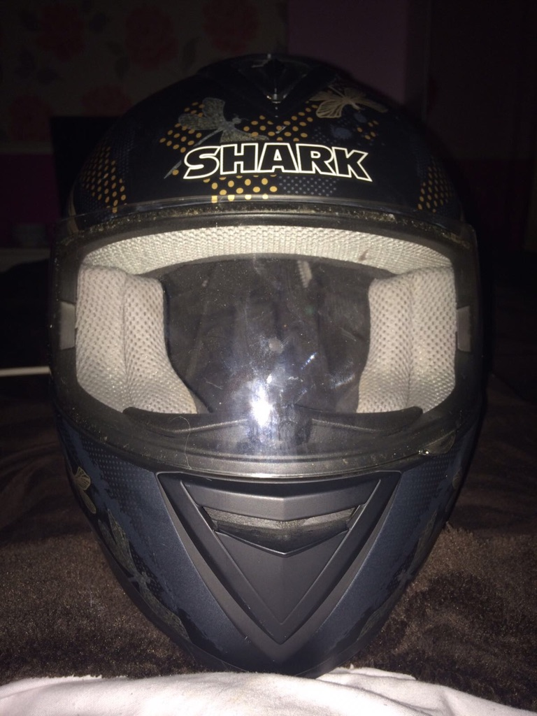 Shark S650 qubit unisex motorcycle helmet.