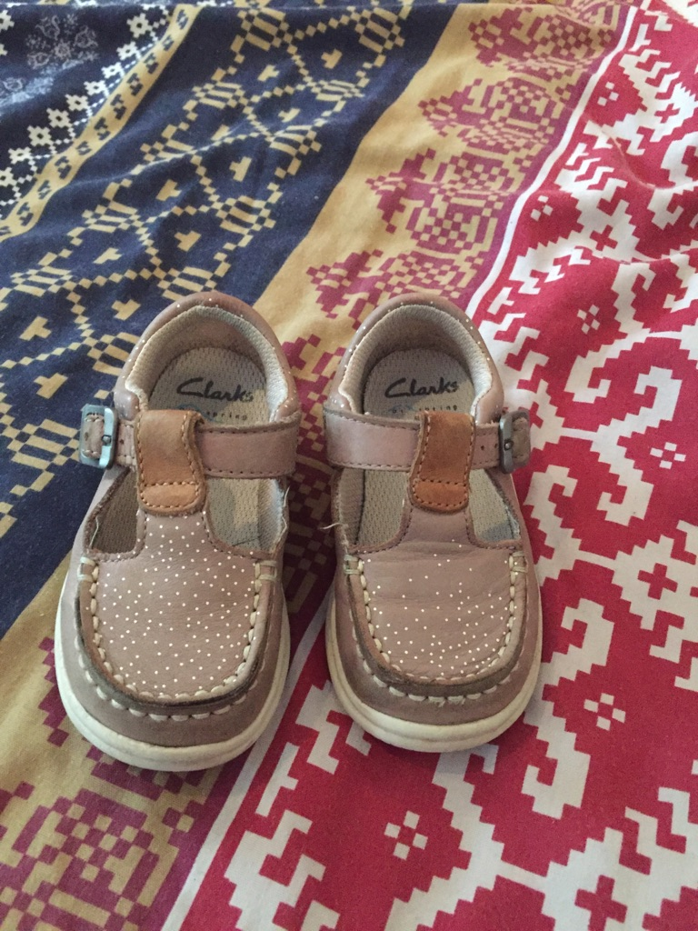 Clark's infant girls shoes size 4.5 G