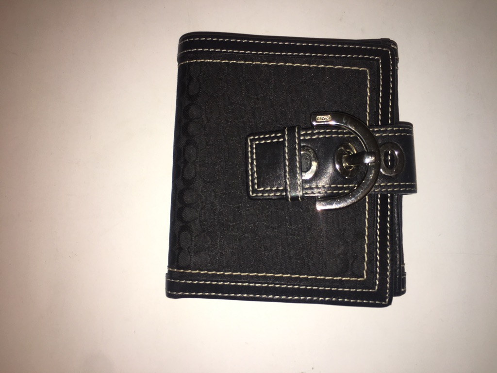 Coach Black Leather Signature Buckle Bi-Fold Wallet Women's