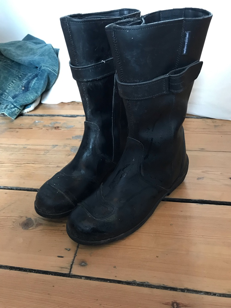 Ladies leather motorbike boots size 5