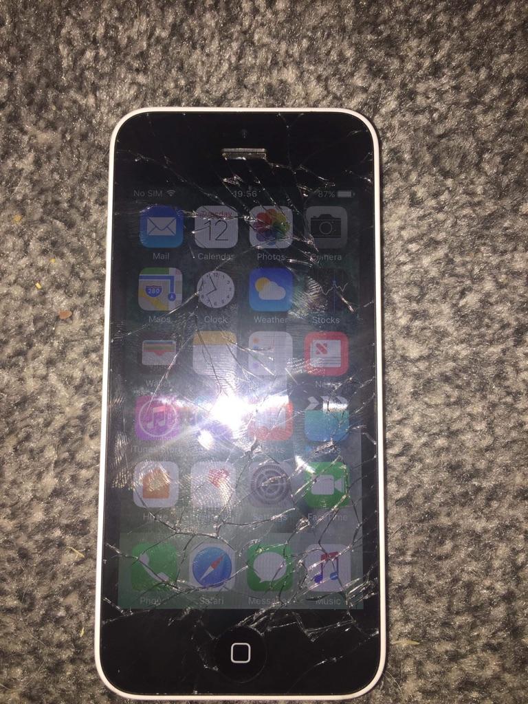 iPhone 5c  - Cracked