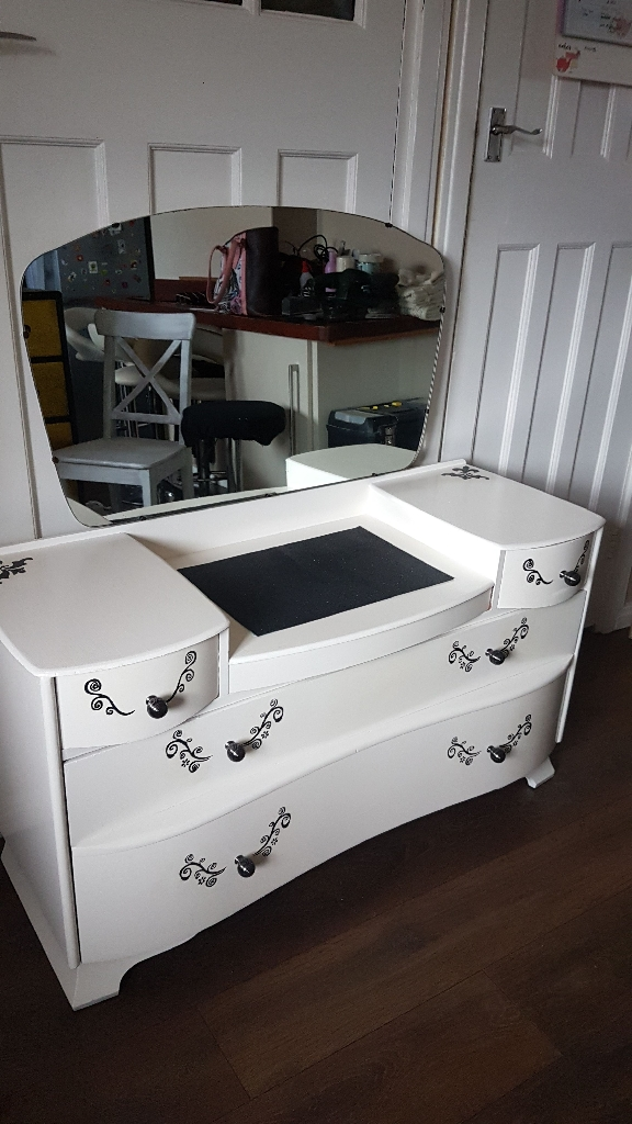 white and black stenciled dressing table