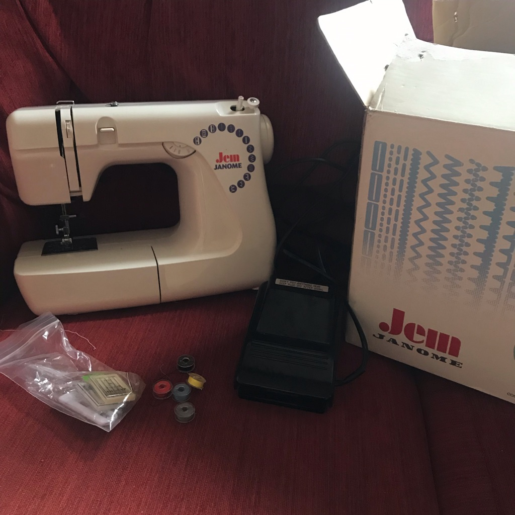 Jem Janome working sewing machine with all accessories
