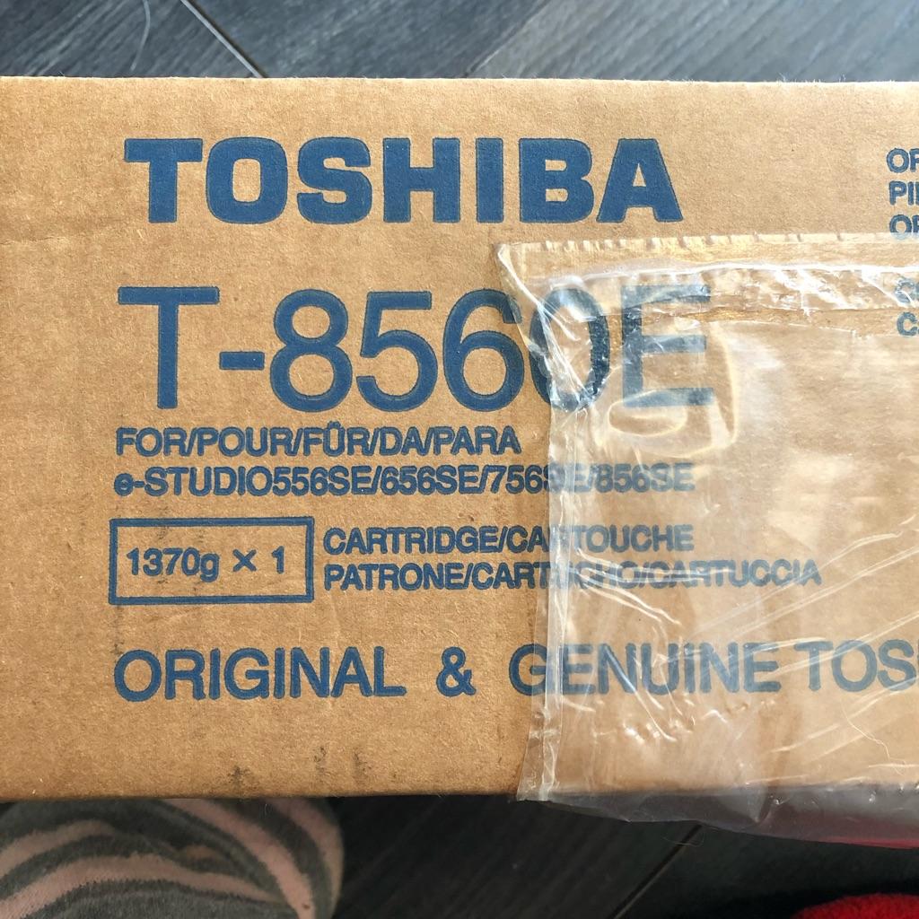 Toshiba T-8560E