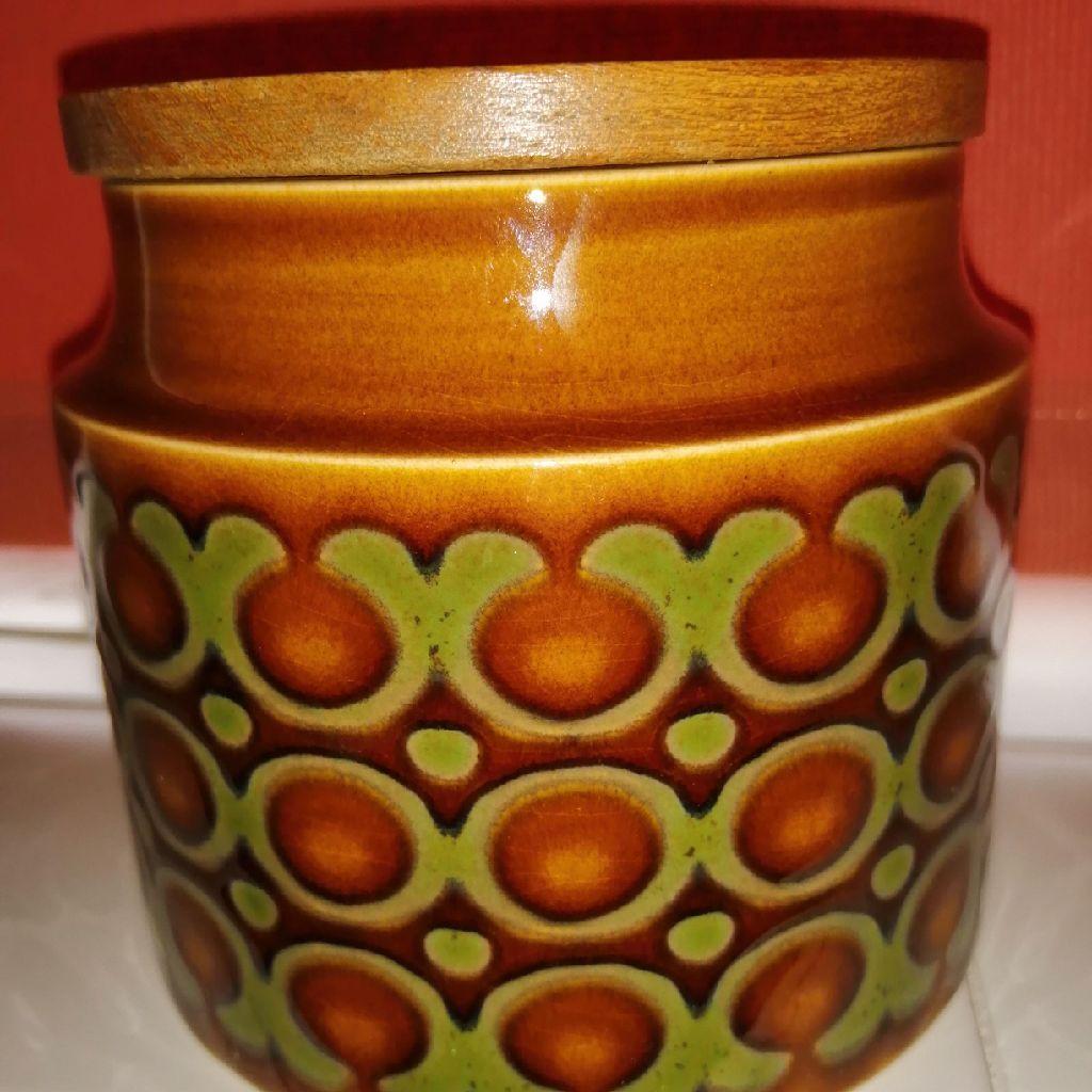 A Vintage Hornsea Bronte Small Storage Jar - John Clappison 1976