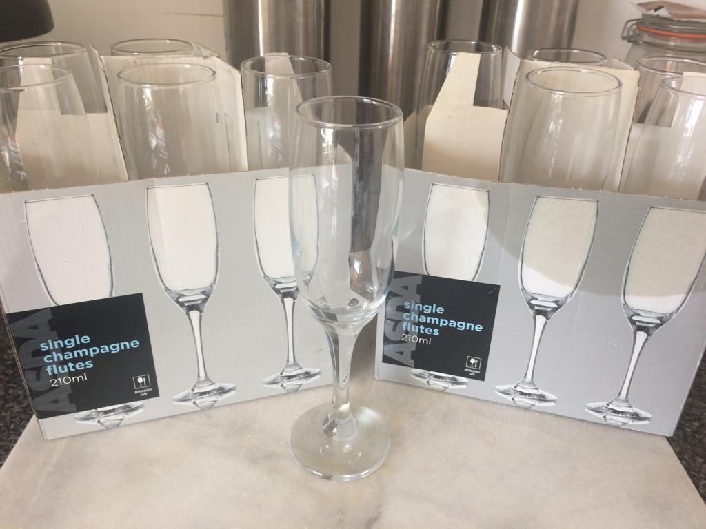 Champagne flutes 🥂