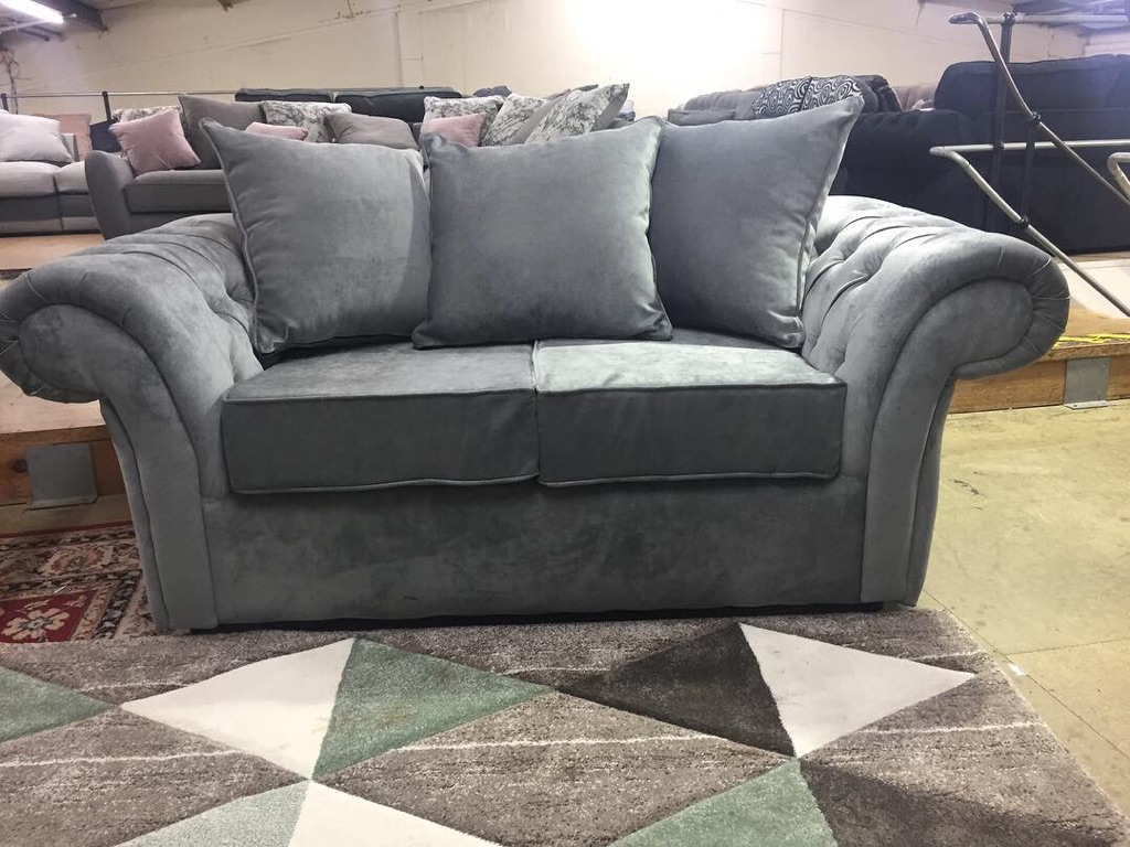 3 + 2 Chesterfield