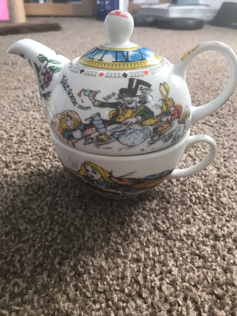 Cardew Alice in Wonderland tea for one set.