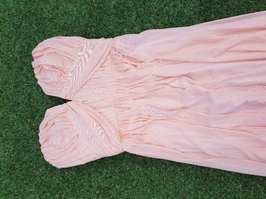 Boohoo size 8 prom dress full length
