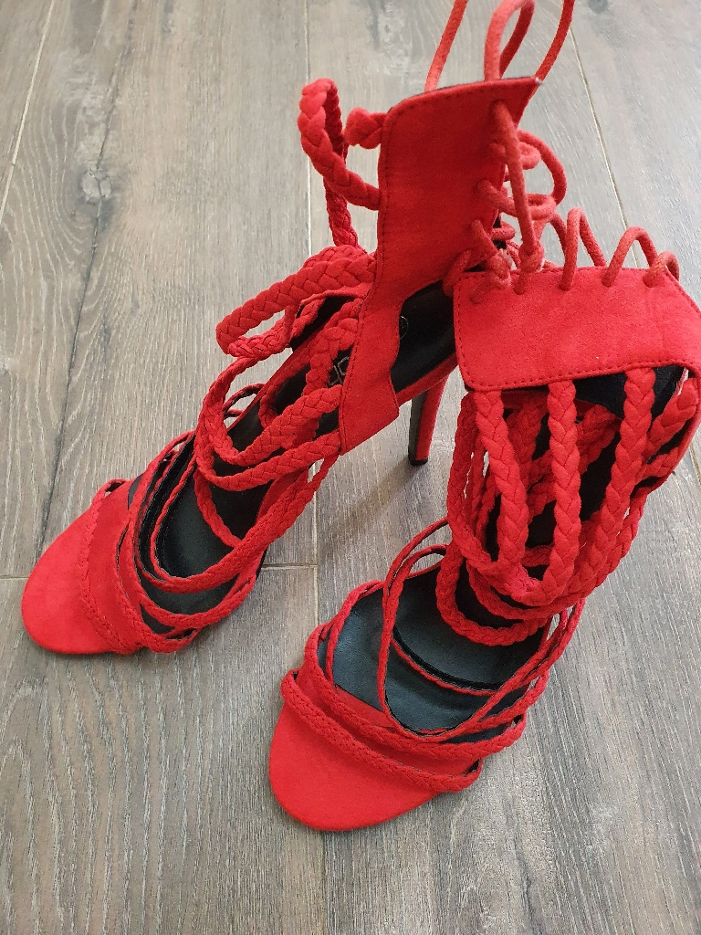 Boohoo sexy red heels size 7